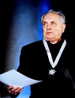 Alexander Zinoviev receives Moscow University honor medal